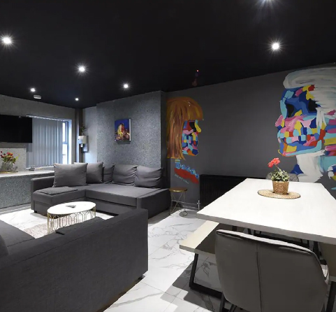 BACK TURNER TOWNHOUSE Right in the hustle and bustle of the northern quarter – manchester's hub for the arts, culture, independent bars and cafés VIEW PROPERTY